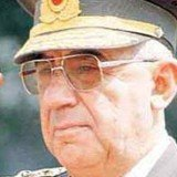General Ismail Hakki Karadayi, former Turkish army chief, has been detained over a military intervention that ousted a pro-Islamist government in 1997