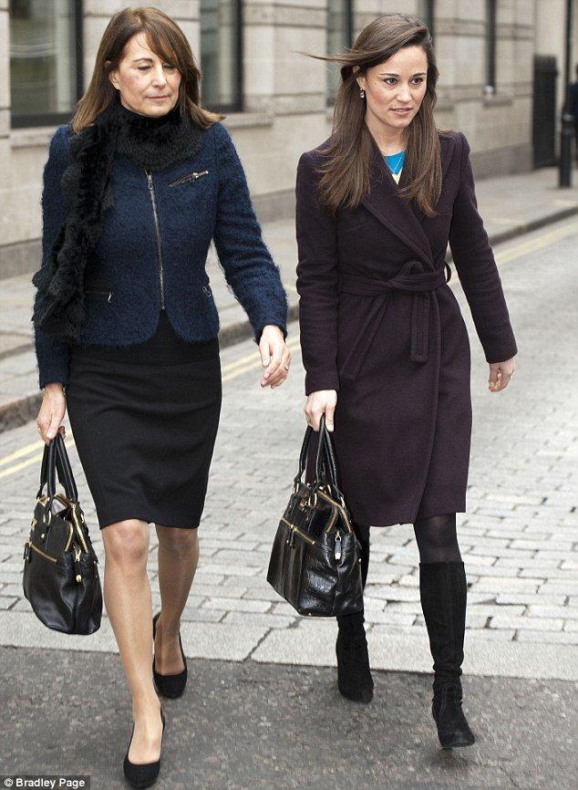 Pippa And Carole Middleton Matching Modalu Handbags