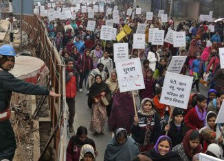 Thousands of women have taken part in a march in Delhi to protest against the recent gang rape of a 23-year-old medical student