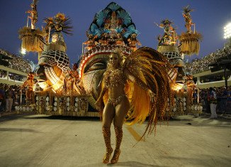 As Brazil's annual carnival gets under way, Rio de Janeiro's oldest street parade has drawn an estimated 1.5 million revellers