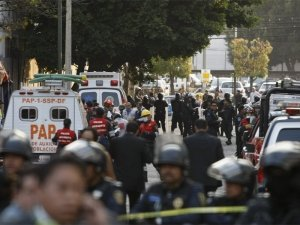At least 25 people were killed by a blast in Mexico City at the headquarters of the state oil company, Pemex