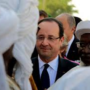 Francois Hollande hailed in Timbuktu