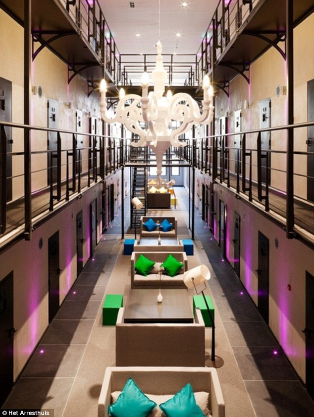 Het arresthuis prison transformed into luxury hotel for Prison converted to hotel