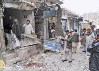Pakistani Talibans have attacked an army checkpoint, killing 13 soldiers and 10 civilians