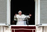 Pope Benedict XVI has given his final Sunday blessing at the Vatican before he steps down on February 28