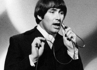 Reg Presley, frontman of 60s British rock band The Troggs, has died from lung cancer at the age of 71