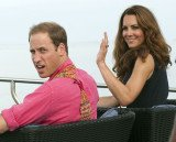 St James's Palace has condemned plans by Italian gossip magazine Chi to print photos of the pregnant Kate Middleton on a Caribbean holiday