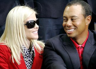 Tiger Woods has been attempting to win Elin Nordegren back with a $200 million deal