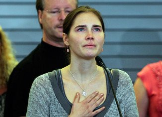 Amanda Knox has said she will fight to clear her name after Italy's Supreme Court overturned her acquittal for killing Meredith Kercher