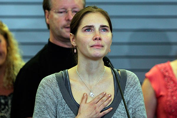Amanda Knox has said she will fight to clear her name after Italy's Supreme Court overturned her acquittal for killing Meredith Kercher photo
