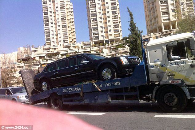 Barack Obama's armored limo broke down on the way to Tel Aviv airport as the US president is making a historic visit to Israel
