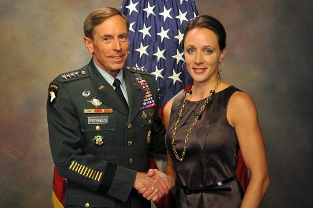 David Petraeus will apologize for the affair with Paula Broadwell in his first public speech since resignation at a University of Southern California event photo