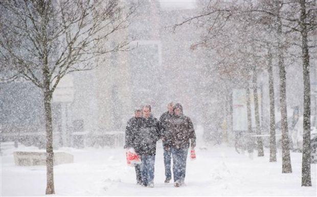 Europe Snowfall Disrupts Frankfurt Flights And Eurostar Trains