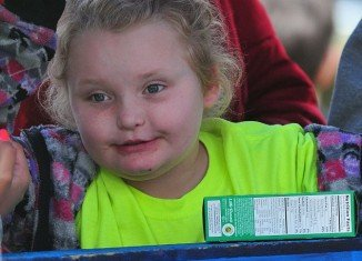 Honey Boo Boo was seen doing a meet and greet with her fans over the weekend where she also sold boxes of Girl Scout Cookies