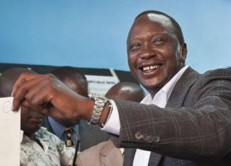 Kenyan Deputy PM Uhuru Kenyatta appears to have won the presidential election by the tightest of margins as the provisional results indicate