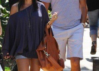Kim Kardashian warns sister Kourtney she will lose Scott Disick
