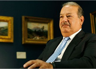 Mexican tycoon Carlos Slim Helu has topped Forbes magazine's list of the world's richest billionaires for a fourth year