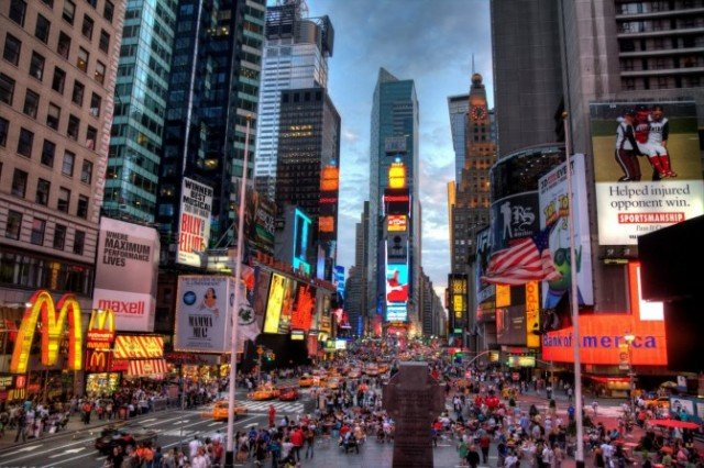 New York City population is at an all-time high, with an estimated 8,336,697 residents living in its five boroughs
