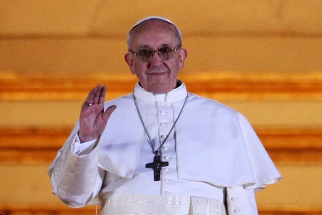 Pope Francis I has begun his first day at the helm of the Catholic Church attempting to set out his vision for his papacy amid a testing schedule 640x427 photo