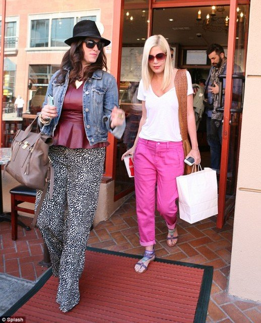 Tori Spelling was pictured out in her Beverly Hills stomping ground looking suddenly trim 518x640 photo
