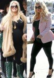 After she gained 60 lbs during her first pregnancy, Jessica Simpson has revealed she has only gained half in her second pregnancy