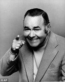 Comedian Jonathan Winters, whose breakneck improvisations and misfit characters inspired the likes of Robin Williams and Jim Carrey, has died at the age of 87