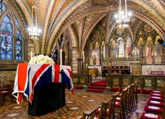 Family, friends and politicians from all sides have paid their respects to Margaret Thatcher at the Palace of Westminster chapel