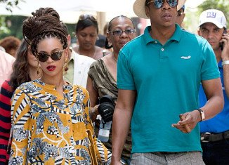 Jay-Z has defended his trip to Cuba with his wife Beyonce in a new song titled Open Letter.