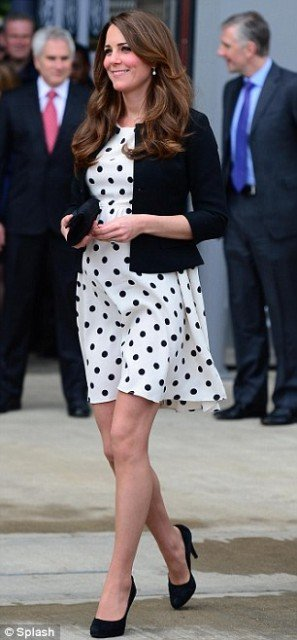 Kate Middleton's TOPSHOP dress she wore today at the Warner Bros film studios quickly became a sellout