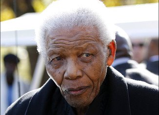 Nelson Mandela has been discharged from Pretoria hospital after treatment for pneumonia