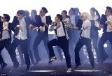 PSY performed his new single Gentleman and its accompanying dance at a concert in Seoul