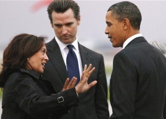 """President Barack Obama has apologized to California Attorney General Kamala Harris for the """"good looking"""" remarks he made at a fundraising event on Thursday"""