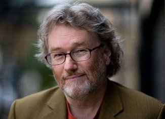 Scottish author Iain Banks has revealed today that he has late stage gallbladder cancer and is unlikely to live for more than a year