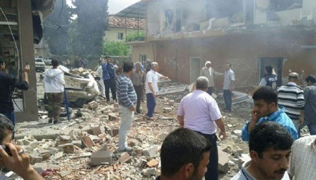 At least 40 people have been killed and other 100 are injured after two car bombs exploded in the Turkish town of Reyhanli