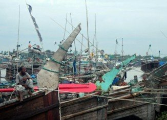 Cyclone Mahasen has stricken Bangladesh's southern coast