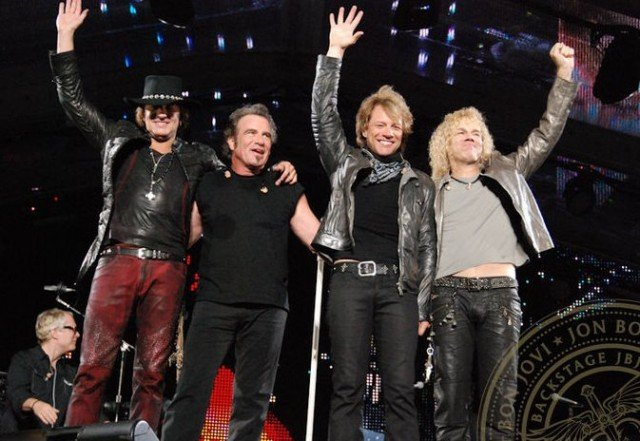 Jon Bon Jovi has revealed that his band have waived their fee at a concert in Madrid next month, given the country's economic crisis