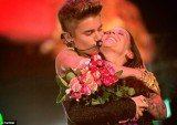 Justin Bieber with his mother Pattie Mallette as he serenaded her on the night of the theft