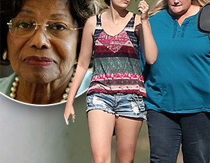 Paris Jackson recently opted to spend her 15th birthday with Debbie Rowe instead of grandmother Katherine Jackson
