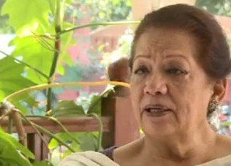 Senior Pakistani politician Zahra Shahid Hussain has been shot dead in the southern port city of Karachi