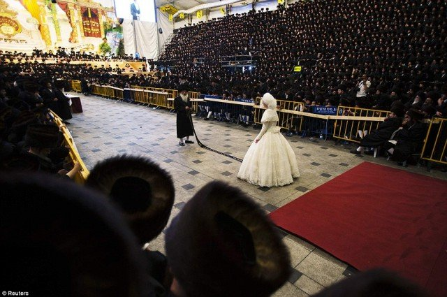 Shalom Rokeach and Hannah Batya Penet wedding in Jerusalem was attended by 25000 Ultra Orthodox Jews of Hasidic dynasty Belz Rebbe  640x425 photo