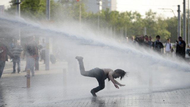 Turkish police have used tear gas and water cannon against protesters occupying Gezi Park in central Istanbul
