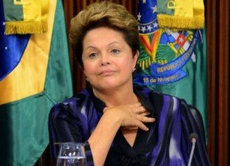 Brazil's President Dilma Rousseff has proposed a referendum on political reforms in an effort to tackle protests that have swept the country