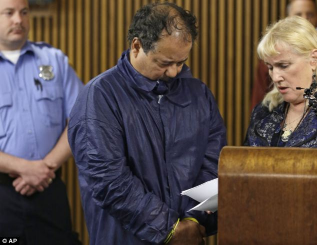 Cleveland kidnapper Ariel Castro was indicted on 329 charges including kidnapping and rape photo