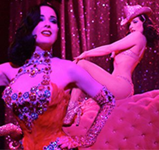Dita Von Teese delivers old fashioned burlesque performance in modern day photo