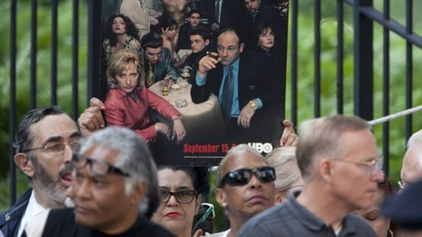 Family, friends and fans have paid tribute to James Gandolfini at his funeral in New York City