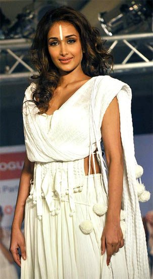 Jiah Khan has been found dead at her home in Mumbai photo