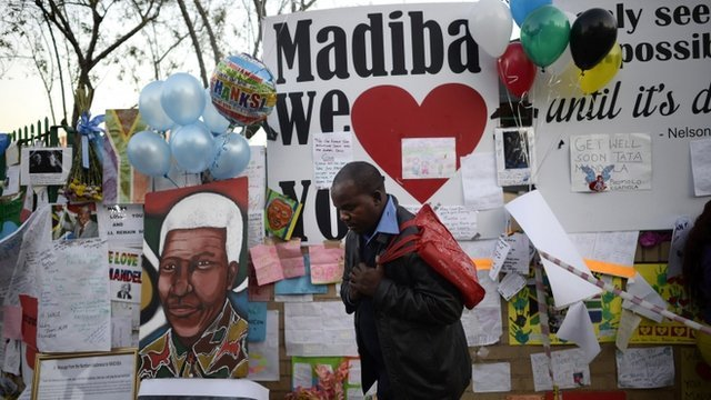 South Africa's President Jacob Zuma has cancelled a trip to Mozambique on Thursday after visiting former leader Nelson Mandela