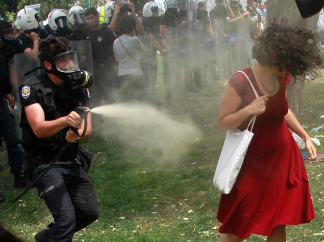 Turkish protesters have demanded the sacking of police chiefs in Istanbul, Ankara and other cities over their forces' violent responses to demonstrations