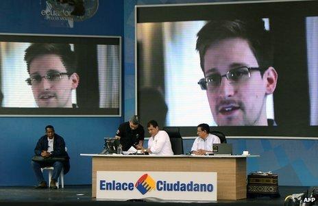 US Vice-president Joe Biden has talked to Ecuador's leader Rafael Correa by phone about fugitive Edward Snowden's bid for asylum