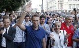 Alexei Navalny has told supporters he will fight and win the Moscow mayoral vote, after he was freed from jail pending an appeal against a five-year jail term